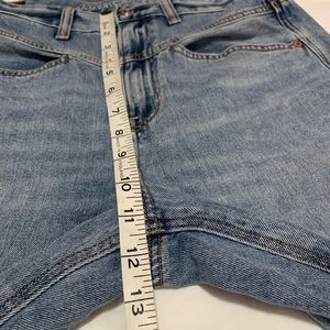 American Eagle Outfitters Jeans - AEO High rise light denim vintage style jeans